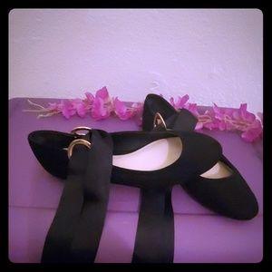 Black Shoedazzle Flats